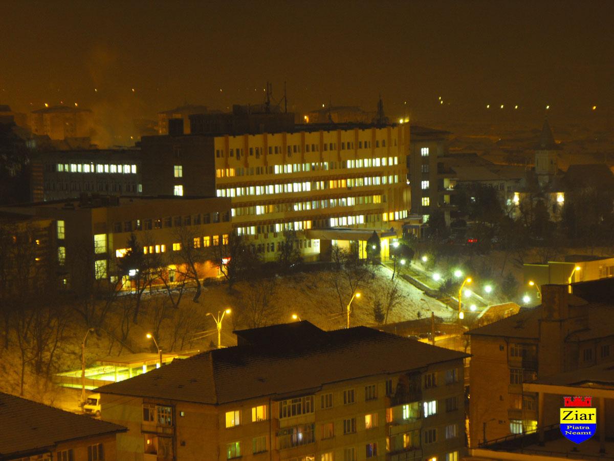 Spitalul-Judetean-Neamt-noaptea