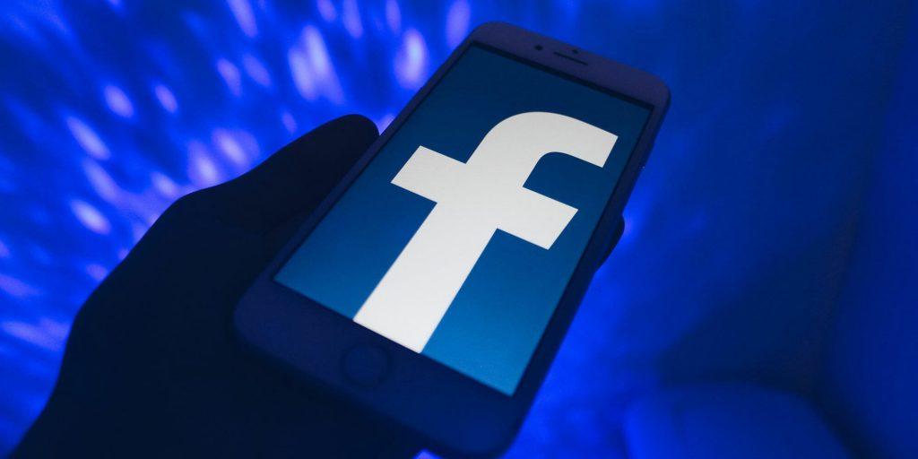 De ce a căzut Facebook